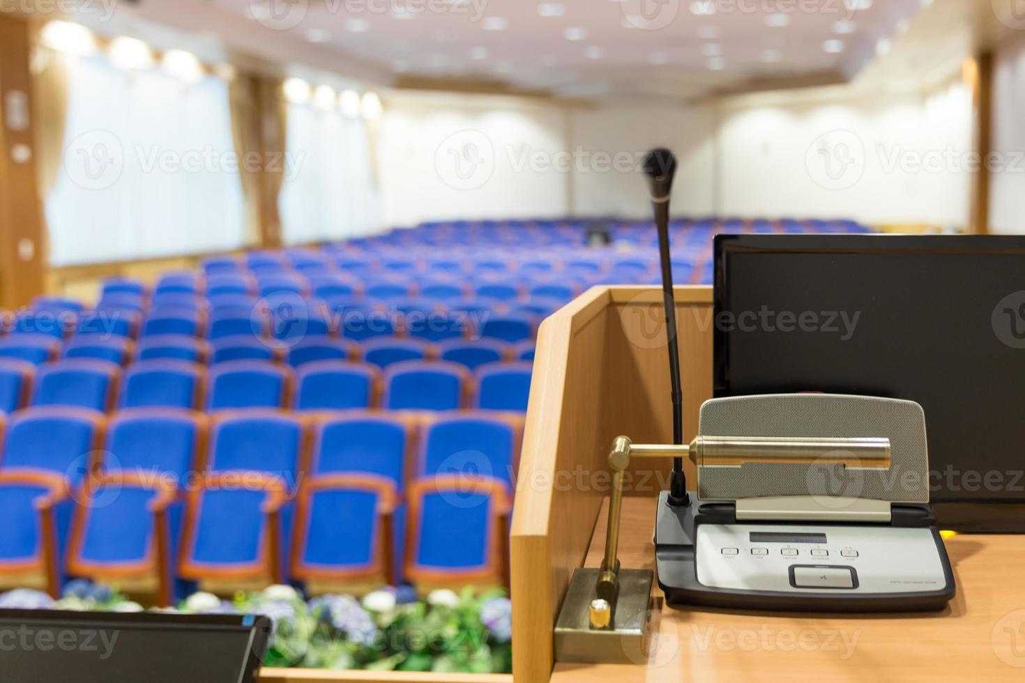 Podium im Konferenzsaal foto