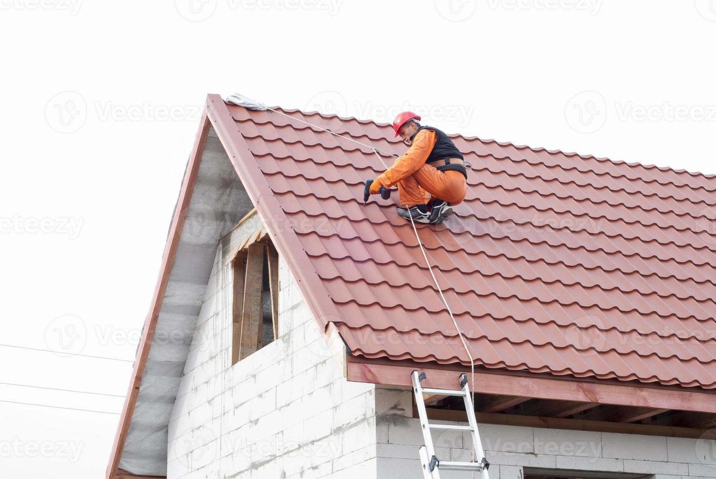 Installation eines Daches foto