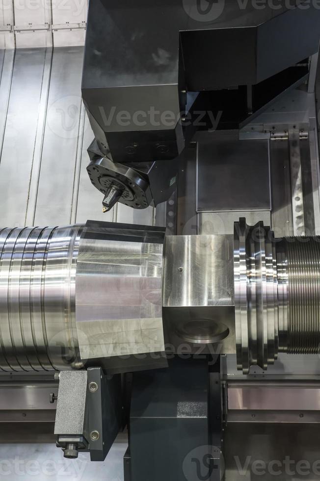Drehmaschine, CNC-Fräsen foto