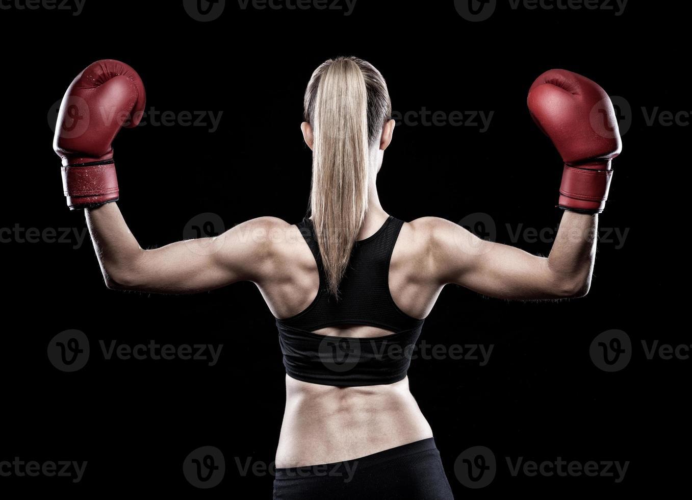 schöne Frau mit Boxhandschuhen foto