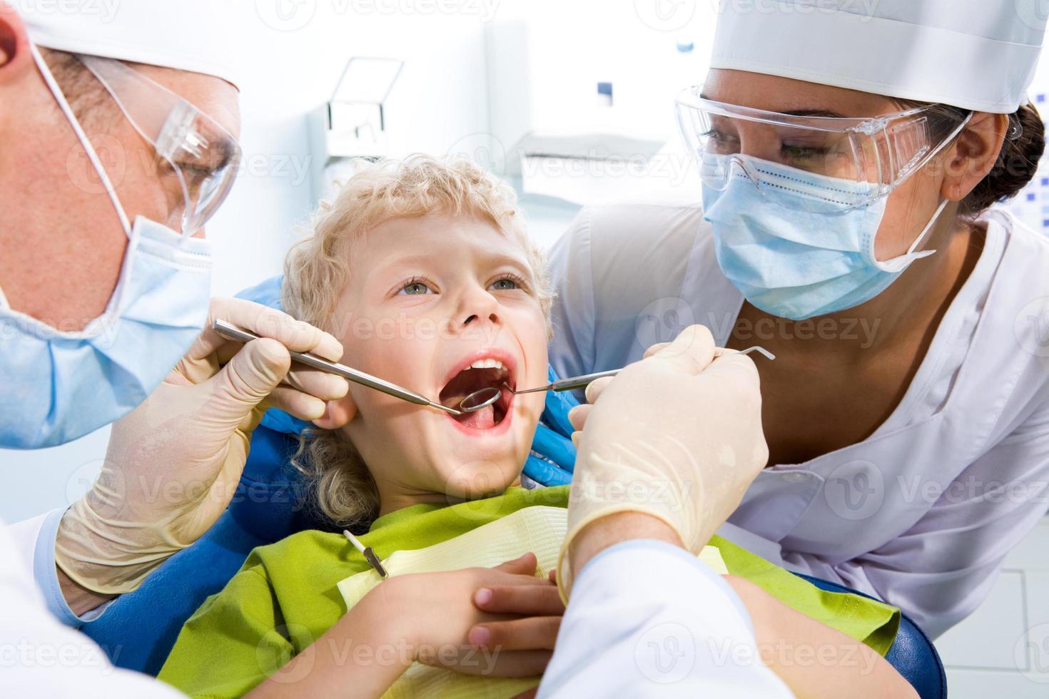 Inspektion der Mundhöhle foto