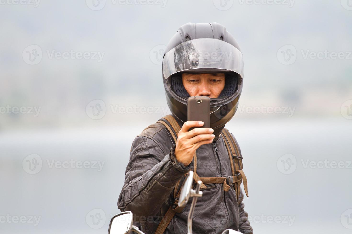 Handykamera in männlichen Händen foto