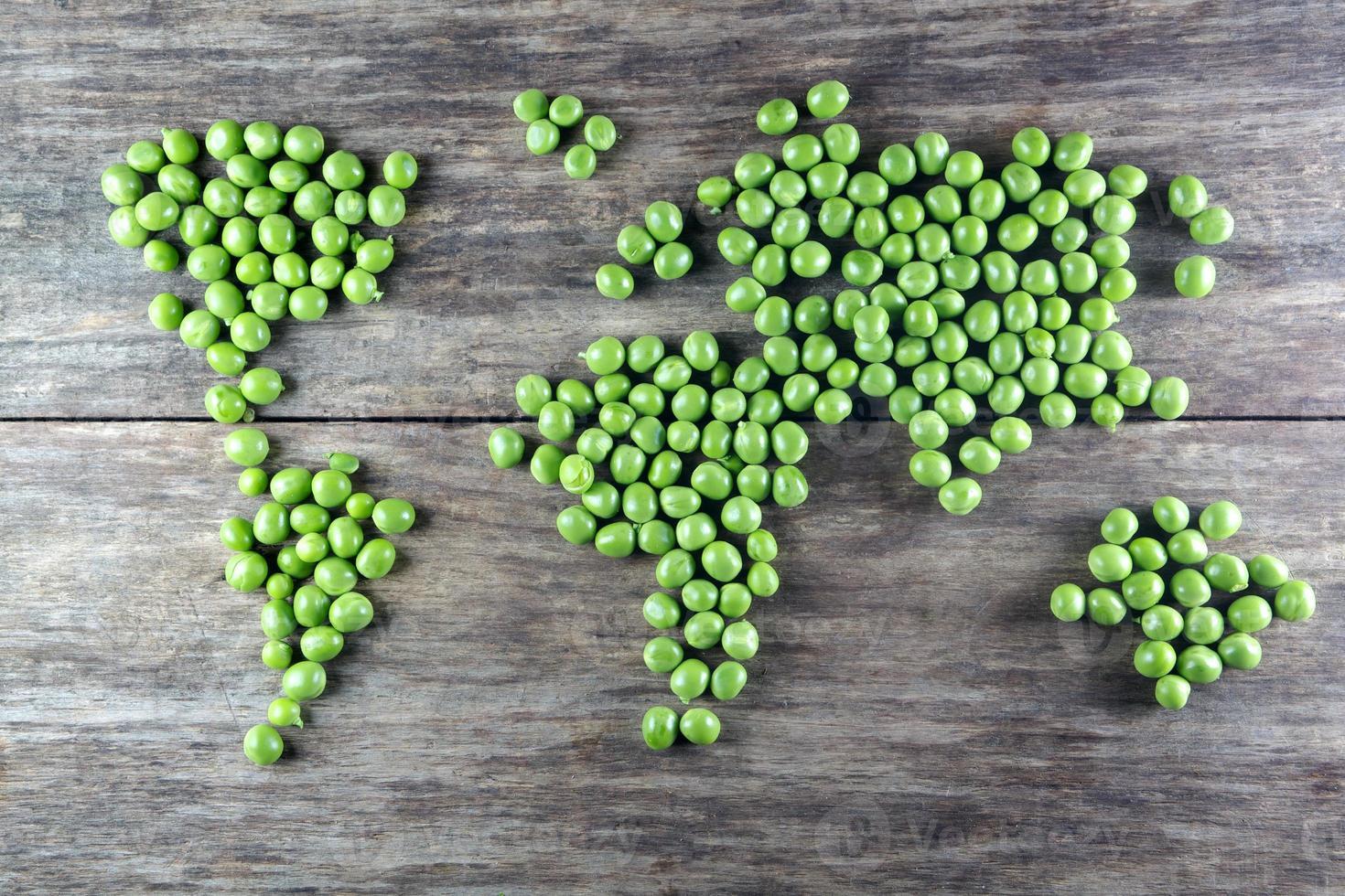 Weltkarte aus Erbsen gemacht foto
