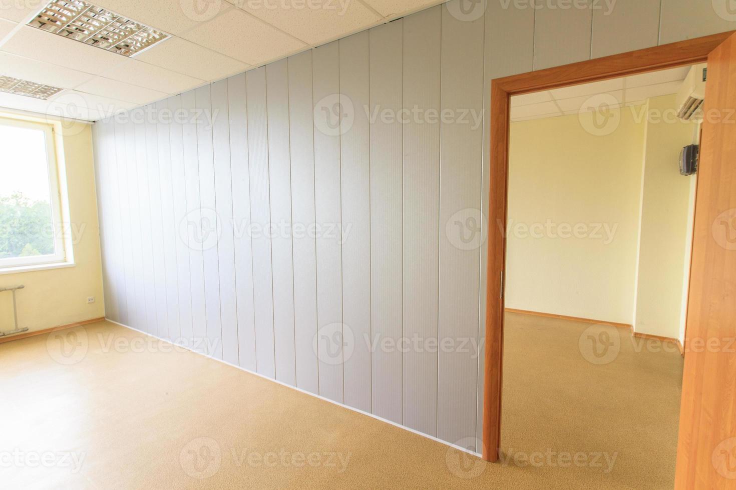 leerer kleiner Büroraum foto
