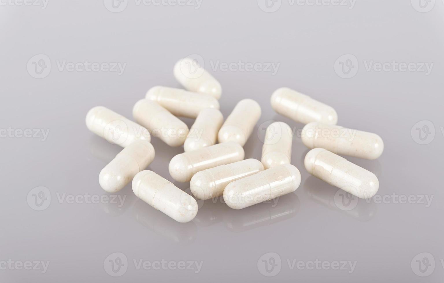 weiße Medizin Kapseln foto
