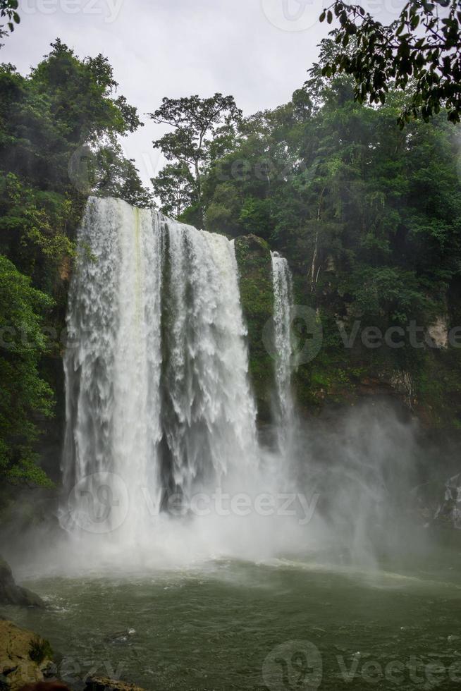 Dschungel fällt bei Misol ha, Chiapas in der Nähe von Palenque. Mexiko. foto