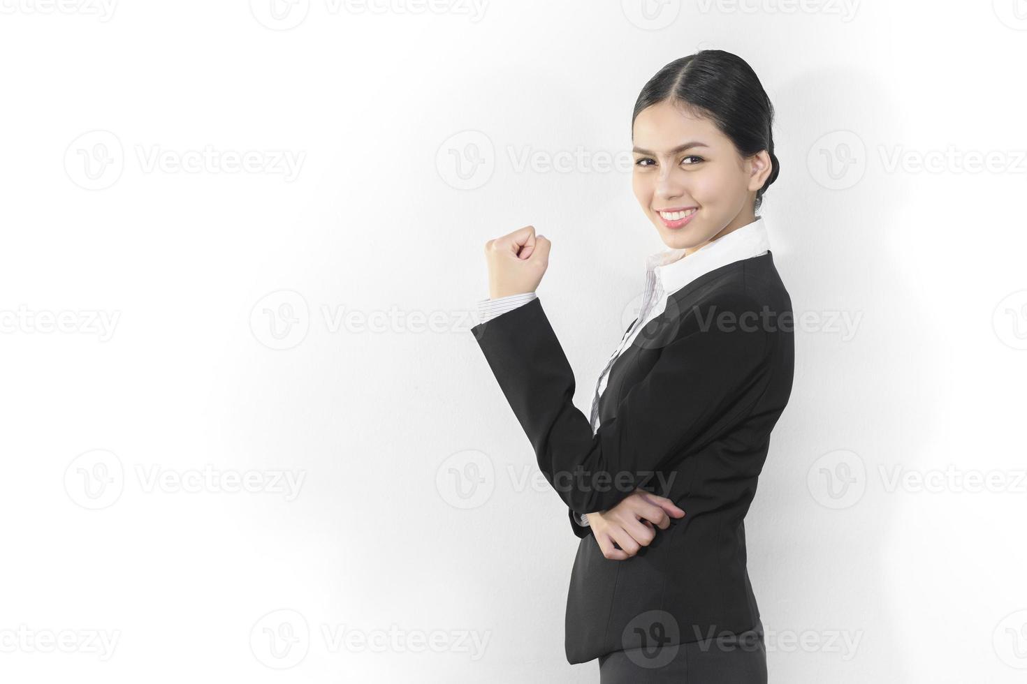 attraktive asiatische Geschäftsfrauen, die lächeln foto