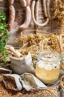 Zutaten für hausgemachte saure Suppe