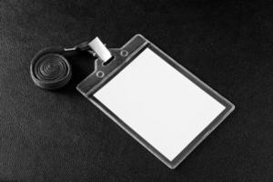 leeres Abzeichen mit Nackenbügel foto