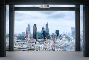 Innenraum des modernen leeren Büroinnenraums foto