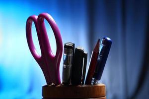 Büro: Stifthalter mit Inhalt
