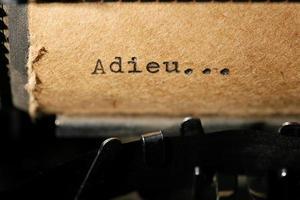 Inschrift auf einer Schreibmaschine foto