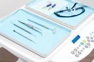 Ausrüstung für einen Zahnarzt foto