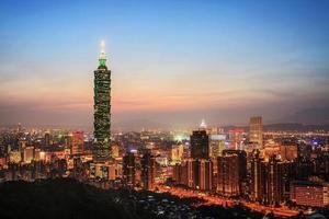 Taipei, taiwan Abend Skyline.
