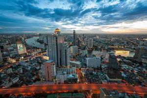 Nachtlicht der Stadt foto