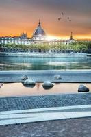 Lyon bei Sonnenuntergang im Sommer foto