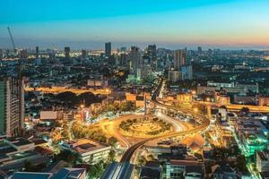 Siegesdenkmal in der Innenstadt von Bangkok, Thailand foto