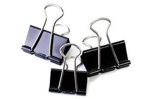 schwarze Büroklammer foto