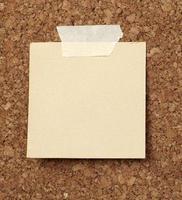 brauner alter Papiernotizhintergrund foto