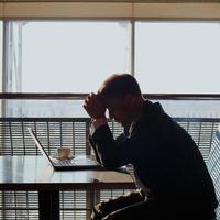 depressiver Geschäftsmann foto