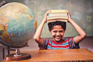 zusammengesetztes Bild der Kritzeleien der Schulfächer foto
