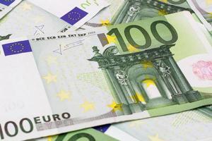 Geldhintergrund - einhundert (100) Euro-Banknoten foto