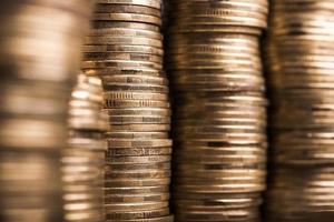 Münzen auf Hintergrund foto