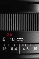 Zahlenskala im Fotoobjektiv foto
