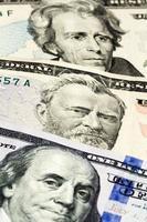 Nahaufnahme der Anzahl der Dollarnoten foto
