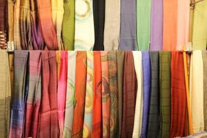 scie di sciarpe colorate 3 foto