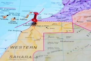 el aaiun steckte auf einer Karte von Afrika fest foto