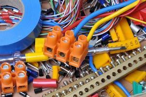 Kit für elektrische Komponenten foto