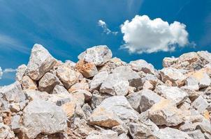 Kalkstein zum Bauen foto