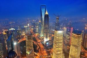 Shanghai Antenne in der Abenddämmerung foto