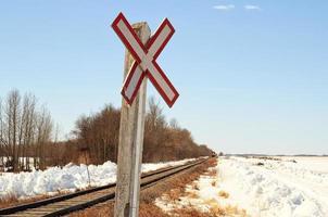 entgegenkommender roter Zug foto