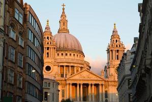 St. Paul bei Sonnenuntergang foto