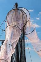neue unbenutzte fischernetze in holland foto