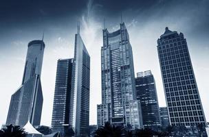 modernes Gebäude des Lujiazui-Finanzzentrums in Shanghai, China. foto