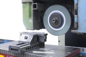 Schleifmaschinenfläche oben isolieren foto