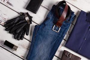 Markenkleidung und Accessoires. foto