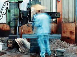 Arbeiter bei der Arbeit. foto