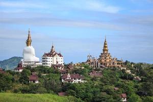 Phasornkaew Tempel in Khao Kho Phetchabun Thailand foto