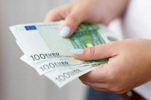 Banknoten in Händen