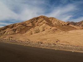 Straße am Berg am Sinai, Ägypten foto