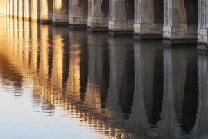 Sommerpalast siebzehn Bogenbrücke foto
