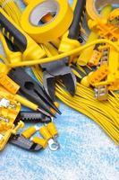 Elektrokomponenten-Kit zur Verwendung in elektrischen Installationen foto