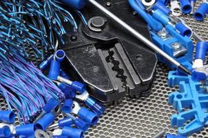 Werkzeuge für Elektriker Crimper und Zubehör foto