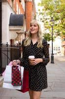 Einkaufen und Kaffee foto