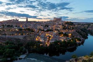 Toledo in der Abenddämmerung Spanien foto