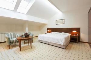 Schlafzimmer Interieur in Loft-Wohnung foto